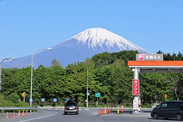 足柄サービスエリアから眺める富士山
