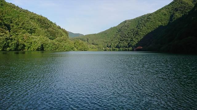 多摩川湖の眺め【ダム湖】