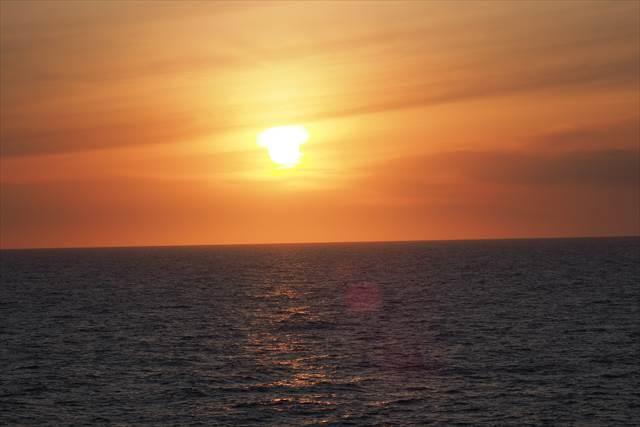 新日本海フェリーから見える夕日
